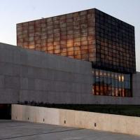 Alabastro en arquitectura. Edificio de las Cortes de Castilla y León